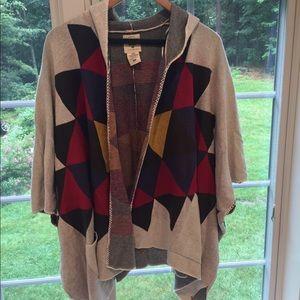 Billabong hoodie/hooded shawl. Geometric pattern